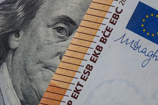 قیمت دلار ۲ تیر ۱۴۰۰ به ۲۳ هزار و ۹۹۳ تومان رسید