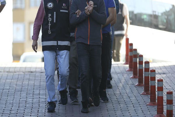بازداشت ۱۲۸ عضو شبکه گولن و ۳۲ مظنون تروریستی در ترکیه