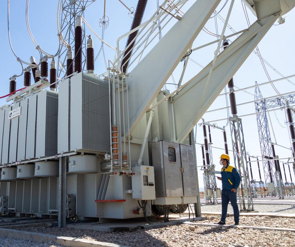 امروز از ۲۰ پروژه انتقال و فوق توزیع برق بهره برداری شد
