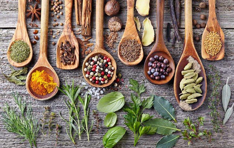 ۱۰ سبزی و ادویهی خوشمزه که خواص عجیبی برای سلامتی دارند