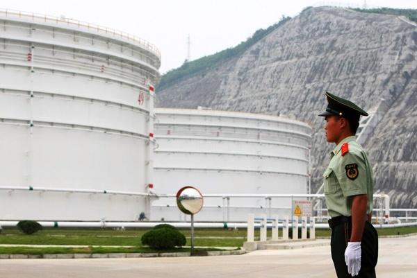 هند هم به کارزار کاهش قیمت نفت میپیوندد