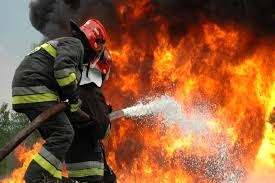 جزئیات بیشتری از حادثه کارخانه رنگ و تینر ملارد/ دو کارگرو سه آتش نشان دچار مصدومیت شدند