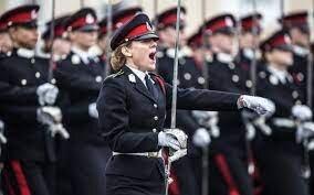 بیش از نیمی از زنان سرباز ارتش انگلیس آزار جنسی را تجربه کرده اند
