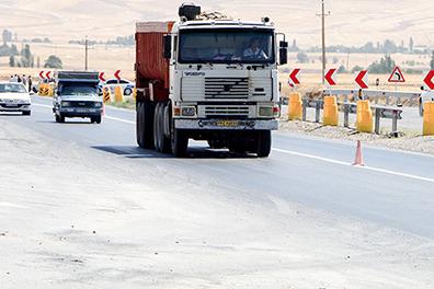 چالش کامیون داران برای تامین قطعات مصرفی
