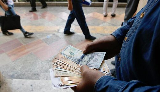 دلار وارد کانال ۲۶ هزار تومان شد/ فعالیت دلالان شدت گرفت