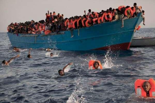 ۱۷ مهاجر در سواحل تونس غرق شدند