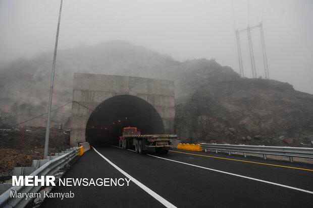 مسیر رفت تونل البرز در منطقه ۲ آزادراه تهران- شمال افتتاح شد