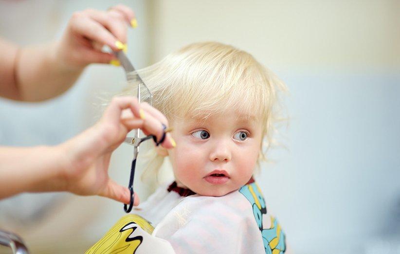 چگونه موی کودکان را در خانه کوتاه کنیم؟ (راهنمای گامبهگام)