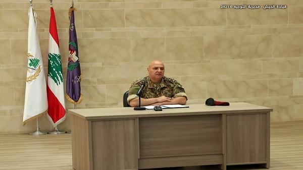 ارتش مایه امید و نجات مردم در شرایط سخت است