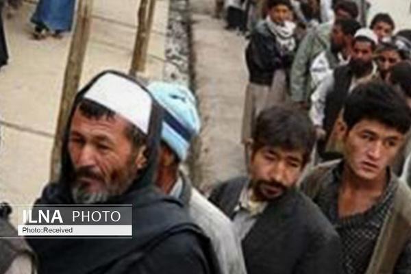 گزارش نیویورکتایمز از سرازیر شدن مهاجران افغان به کشورهای همسایه