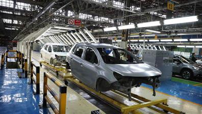 مشکل کنونی خودروسازان رشد تقاضای کاذب است