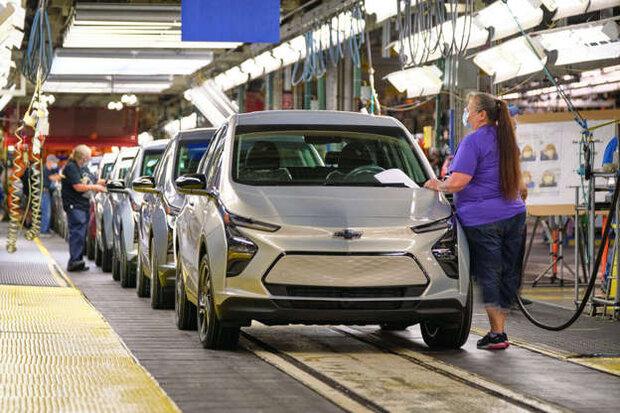 بایدن: خودروسازان ۴۰درصد از تولید خود را برقی کنند