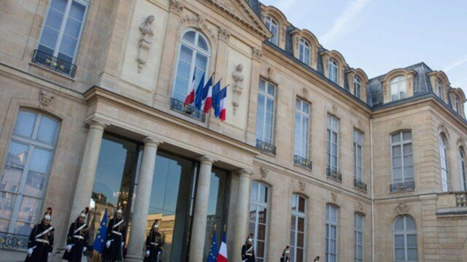 اتحادیه اروپا: با فرانسه رفتار غیرقابل قبولی شده است