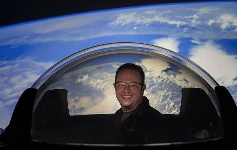 بهترین منظره هنگام استفاده از توالت سقفی فضاپیمای گردشگری اسپیسایکس!