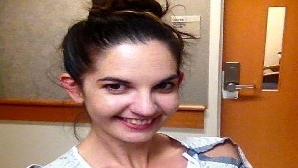 این زن ۱۵ سال به سکسکه مداوم دچار بود/ عکس