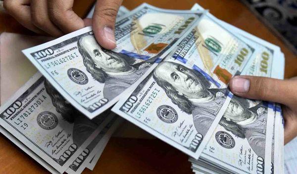 عرضه دلار متشکل بالاتر از متوسط باقی ماند