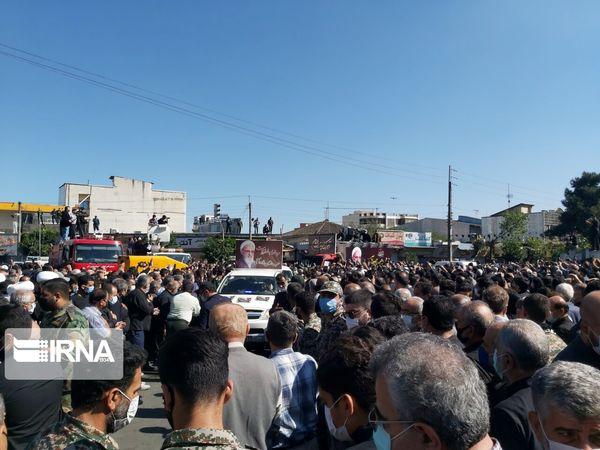 پایان مراسم تشییع پیکر علامه حسنزاده در آمل
