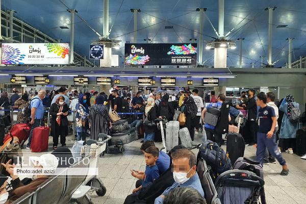مذاکره با سازمان هواپیمایی عراق برای انتقال ۷۰۰ زائر مستقر در فرودگاه امام/ هنوز دستوری برای تردد زمینی از مرز شلمچه دریافت نشده است