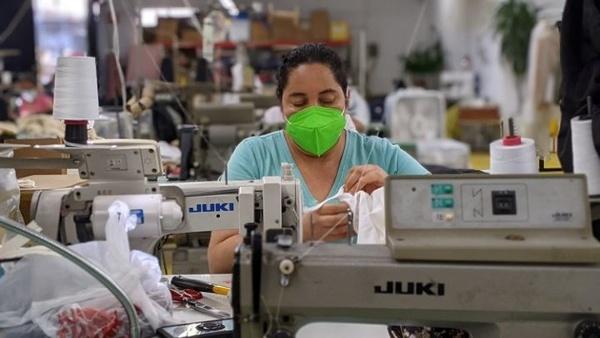 سرقتِ دستمزد در قلبِ آمریکا/ بدهکاریِ ۷ میلیون دلاری کارفرمایان آمریکایی به کارگرانِ صنعت پوشاک/ کارفرمایان اجازه تصویب قانونهای حمایتی را نمیدهند