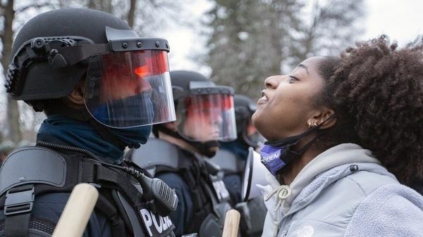 آمریکا بدترین ناقض حقوق بشر است