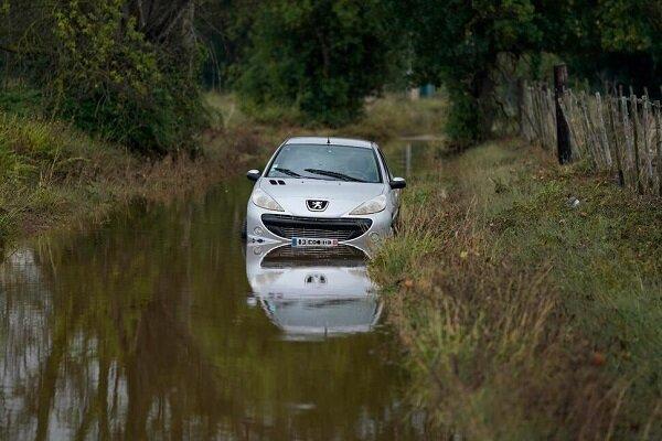 جاری شدن سیل در روستاهای جنوبی فرانسه/تخلیه صدها نفر از روستاها
