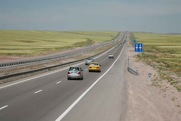 اجرای طرح پایلوت مدیریت سرعت در محورهای برون شهری ۳ استان کشور