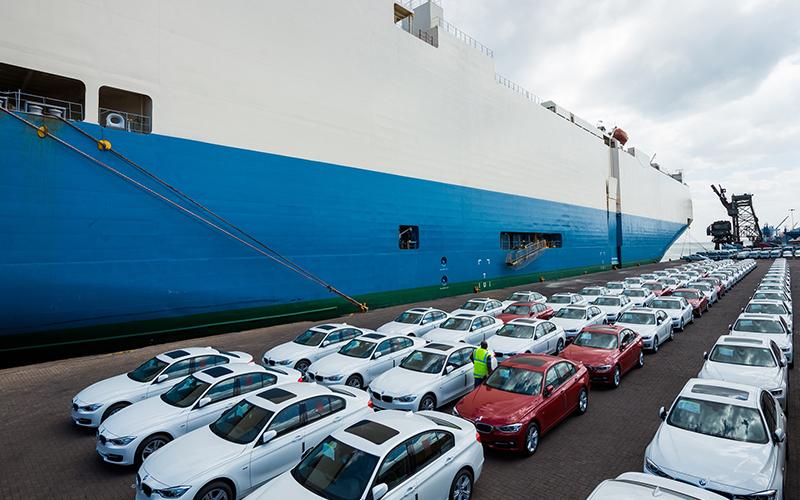 قیمت خودروهای داخلی با واردات خودرو میریزد؟
