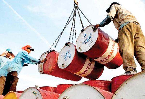 پیشبینی مازاد عرضه نفت در ۲۰۲۲