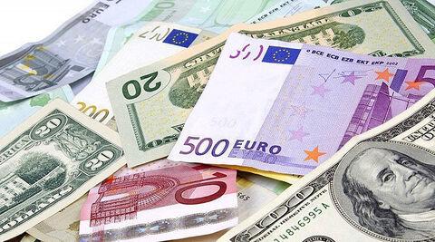 کاهش قیمت دلار و یورو در صرافیهای بانکی