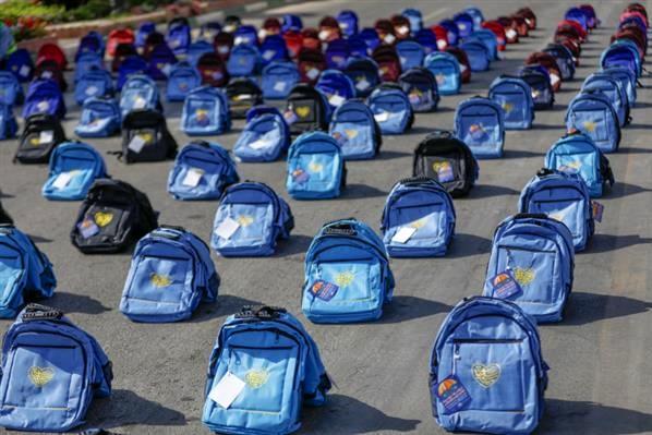 اهدای بیش از ۴ هزار کیف و نوشتافزار ایرانی اسلامی به دانشآموزان کمبضاعت توسط فولاد مبارکه