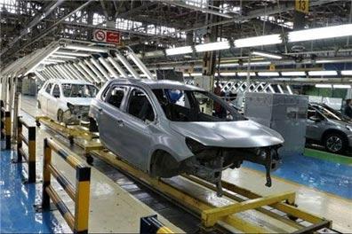 افزایش قیمت زنجیره تامین بر زیانهای انباشته خودروسازان میافزاید