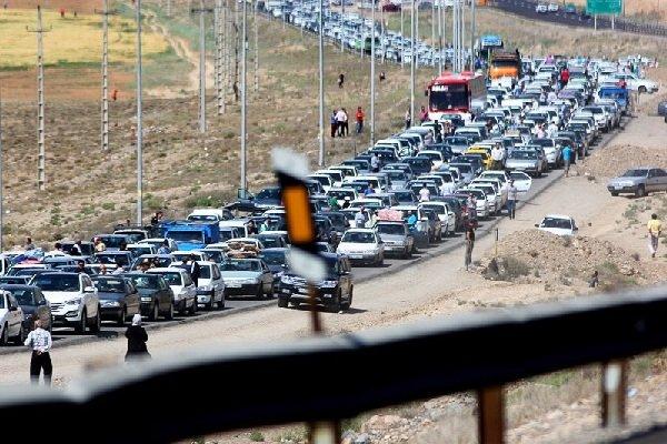 ادامه روند افزایشی ترددهای جاده ای/ ترافیک سنگین در هراز و چالوس