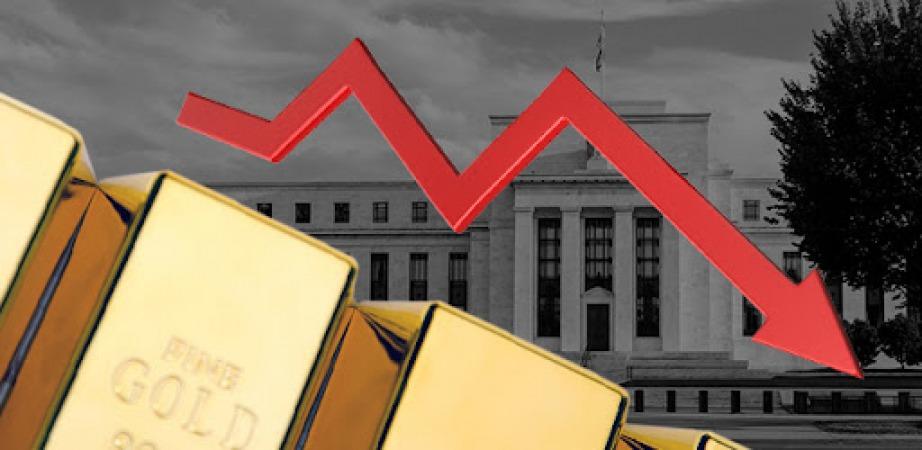 نظرسنجی: اختلاف نظر میان کارشناسان و سرمایه گذاران بر سر پیش بینی قیمت طلا
