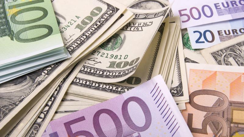 قیمت دلار و یورو در بازارهای مختلف 25 مهر