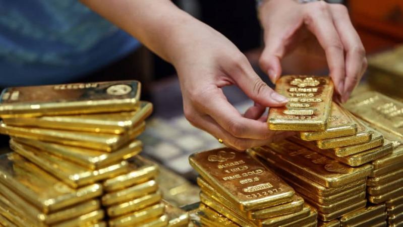 ادامه روند کاهشی قیمت طلا با وارد شدن به نیمه دوم هفته